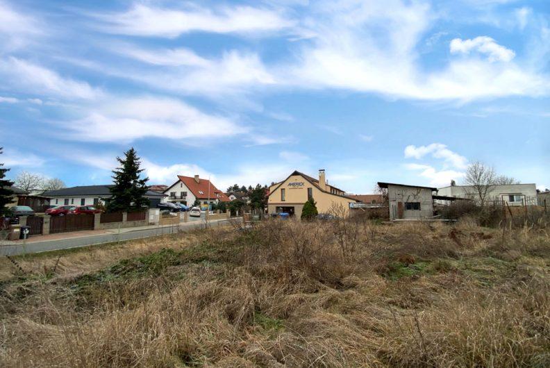 Stavební pozemek Dolní Břežany - Lhota
